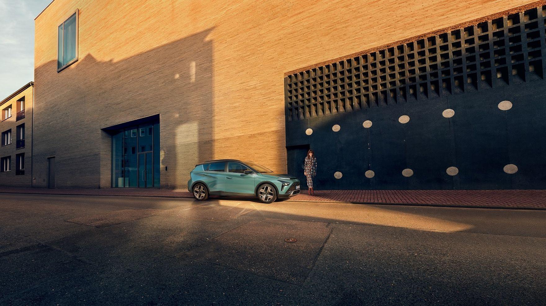 Praktyczność w stylowym opakowaniu. Co oferuje nowy Hyundai Bayon?