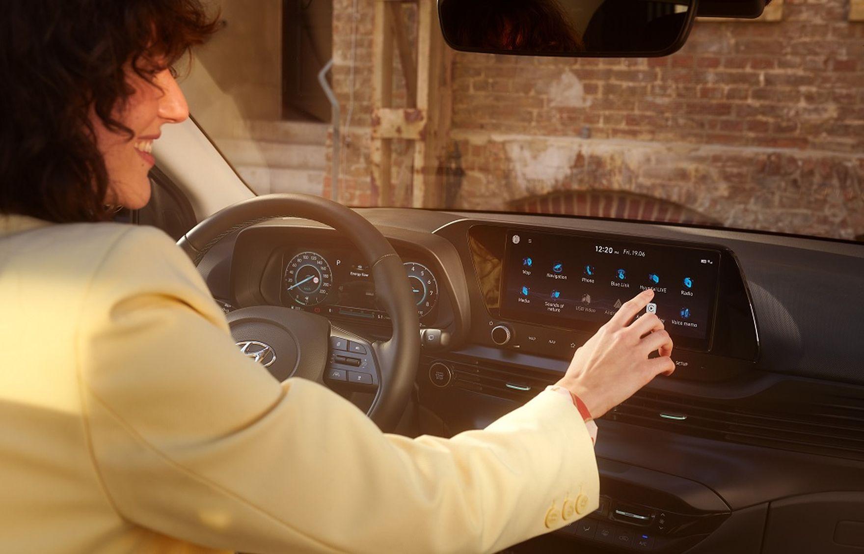 Hyundai Bayon debiutuje na rynku. Co oferuje nowy crossover? Sprawdzamy ofertę!