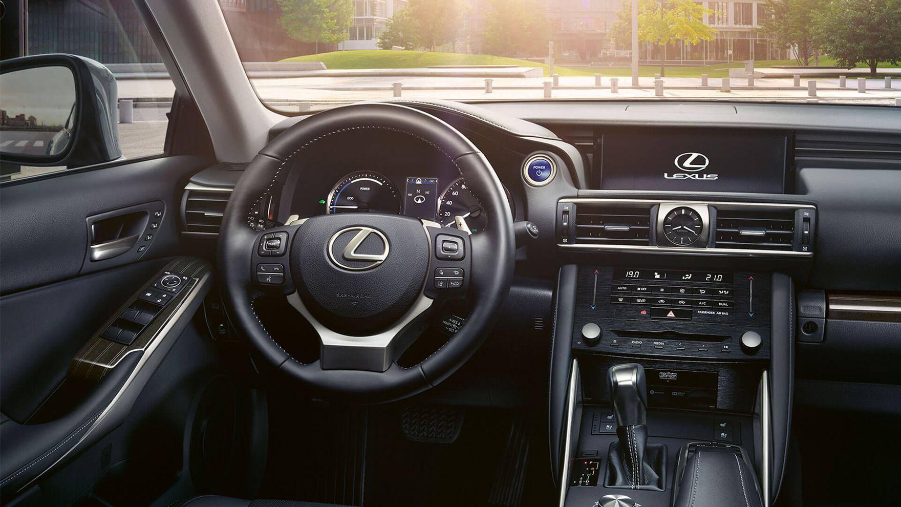 Lexus w dobrej cenie. Oferta jest wyjątkowo kusząca - dokładnie ją sprawdziliśmy