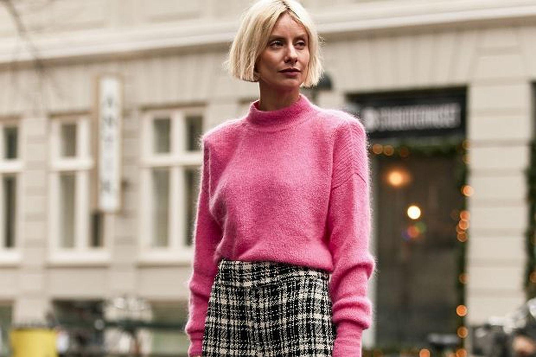 """Te swetry z sieciówek są lekkie, ciepłe i tanie. Proste modele, a efekt """"wow""""!"""