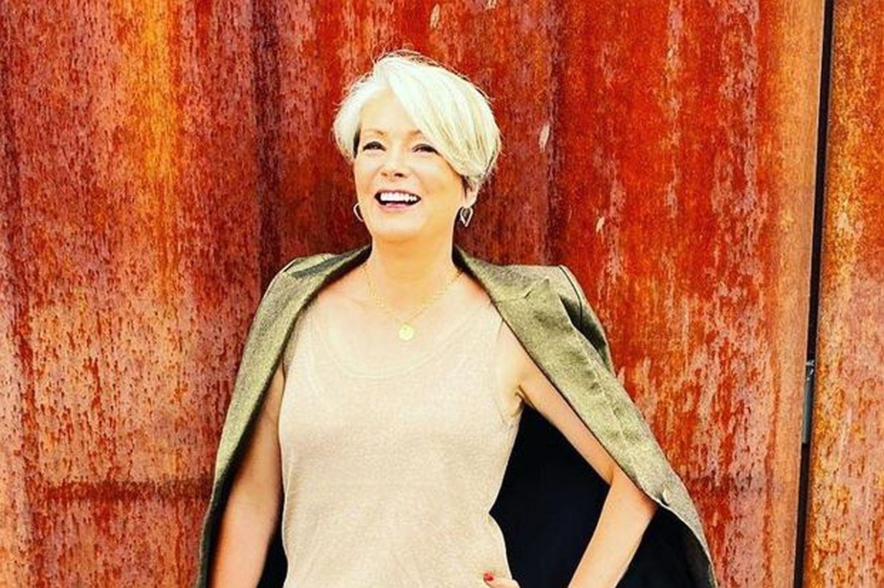 Modne fryzury dla kobiet po 50-tce na jesień i zimę. Te krótkie cięcia odejmują lat i są bardzo kobiece!