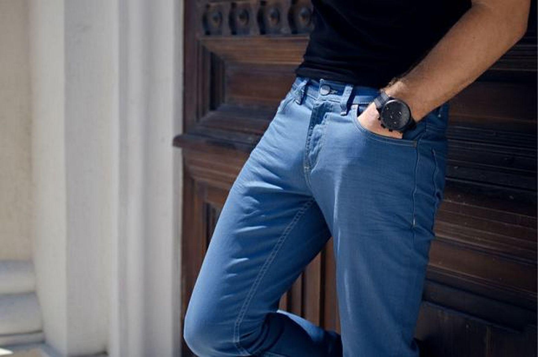 Ogromne rabaty na spodnie męskie na wiosnę! Chinosy w soczystych kolorach kupisz taniej nawet o 67%!