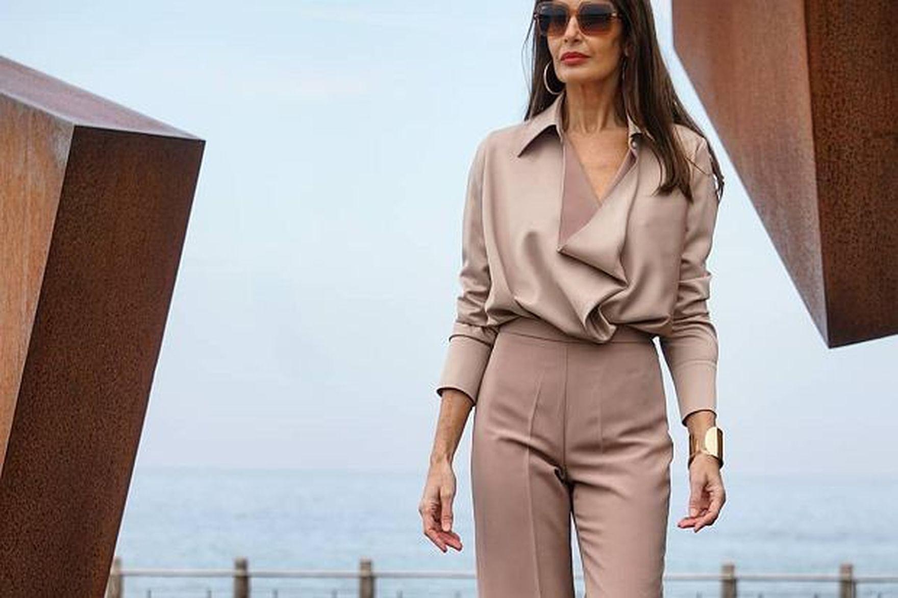 Te spodnie z Reserved i Mohito będą idealne dla 50-tek! Eleganckie modele na jesień