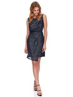 Sukienka z błyszczącej tkaniny z łańcuszkami