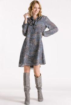 Trapezowa sukienka z szarfą