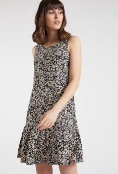 Sukienka z kwiatowym wzorem