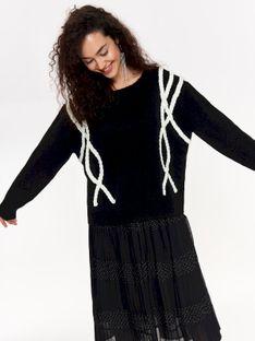 Miły w dotyku sweter damski z ozdobnymi warkoczami, oversize
