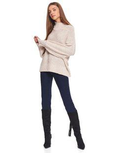 Oversizowy sweter z golfem
