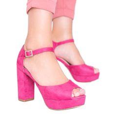 Różowe sandały na platformie Swing