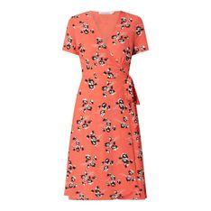 Sukienka kopertowa z kwiatowym wzorem