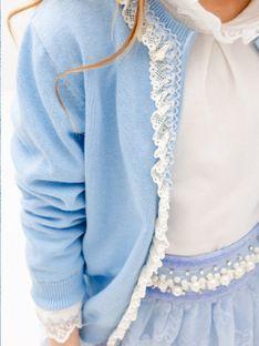 Niebieski sweter dziecięcy z koronką Anima by Justyna Steczkowska