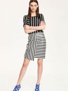 Asymetryczna spódnica w biało czarne paski