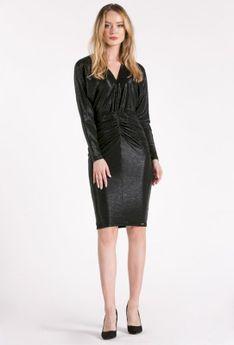 Połyskująca sukienka z drapowaniem
