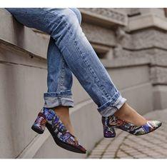 Czółenka Zapato na obcasie w abstrakcyjnym wzorze eleganckie skórzane