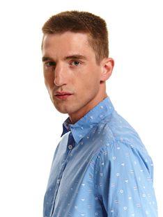 Koszula z lekkiej tkaniny dopasowana