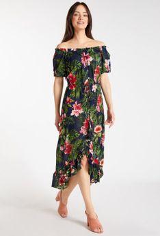 Sukienka z asymetrycznym dołem
