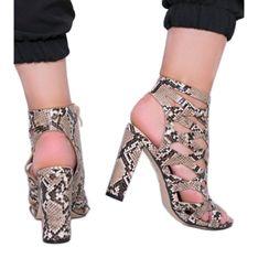 Beżowe sandały na słupku w motywie skóry węża Azalea beżowy