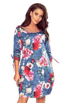 Luźna Kwiatowa Sukienka z Energetycznym Nadrukiem