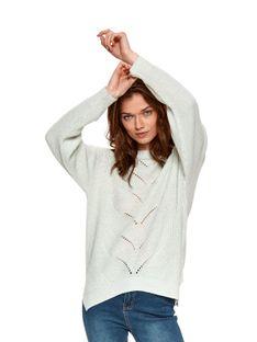 Luźny sweter z ozdobnym splotem
