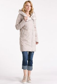 Gruby płaszcz z ozdobnym dużym suwakiem