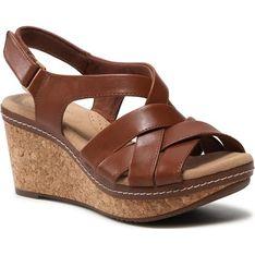 Sandały damskie Clarks brązowe casualowe na koturnie na lato