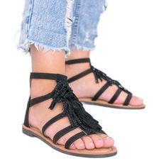 Czarne sandały ozdobione frędzelkami Noronha