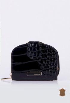 Mały portfel tłoczonym wzorem