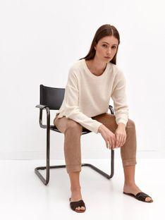 Gładki sweter z okrągłym dekoltem