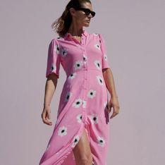 Reserved - Koszulowa sukienka w kwiaty - Różowy
