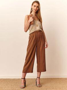 Spodnie typu culotte w modnym kolorze