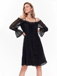 Elegancka sukienka koronkowa z odkrytymi ramionami