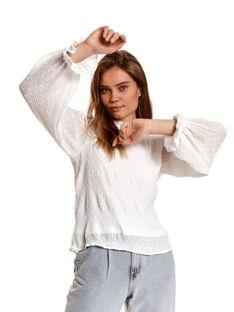 Bluzka z bufiastymi rękawami