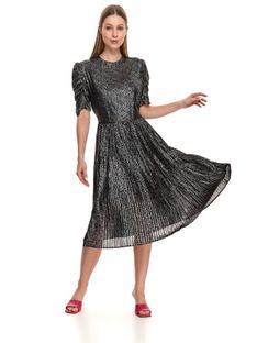 Plisowana sukienka w kropki