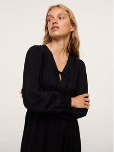 Mango Sukienka codzienna Dafne 17933773 Czarny Regular Fit
