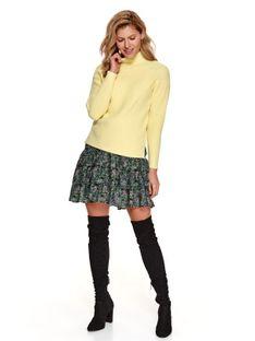 Pudełkowy sweter z golfem