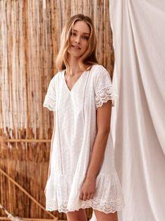 Ażurowa sukienka z falbaną