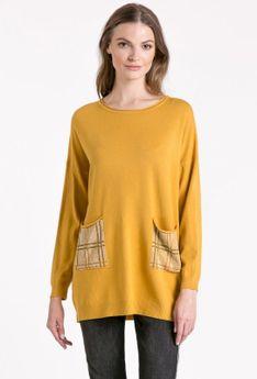 Sweter z aplikacją na kieszeniach