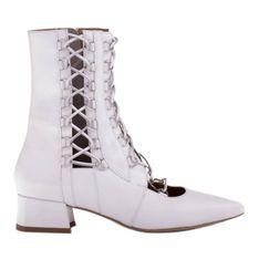 Marco Shoes Plecione botki z rzemykiem białe