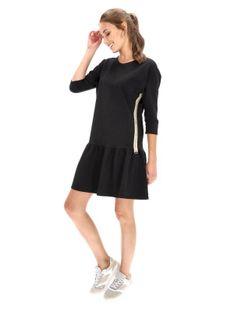 Dzianinowa sukienka z falbanką Eye For Fashion NYLA