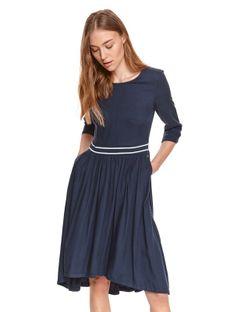 Sukienka dzianinowa z gumką w pasie