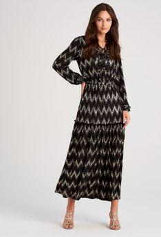 Sukienka maxi w połyskujący wzór