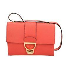 E1 Hd5 12 07 01 Shoulder Bag