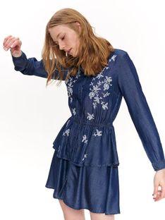 Sukienka z haftem i falbanami