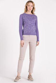 Sweter z nieregularnym wzorem
