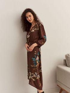 Elegancka sukienka kopertowa w druk