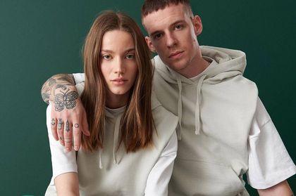 #couplegoals według Reserved - nowa kolekcja unisex zachęca do wymiany ubraniami!