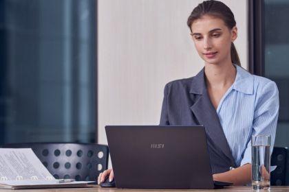 Komputer dla współczesnej businesswoman to nie tylko parametry. Liczy się też styl