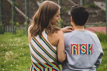 Wspierajmy różnorodność naprawdę. Tęczę można nadrukować na koszulce i nosić na piersi, ale to nie wystarczy