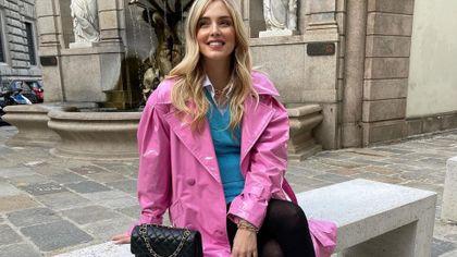 Chiara Ferragni w winylowym płaszczu. Włoszka wie, jaki kolor jest teraz na czasie