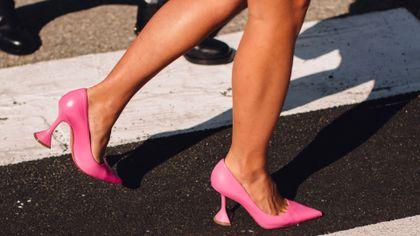 Wygodne i stylowe buty do pracy? Postaw na czółenka!